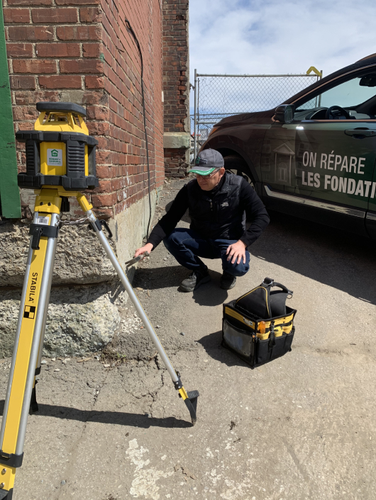 An inspector analyzing foundation quality