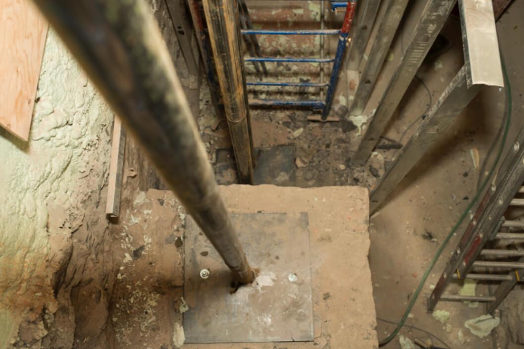 Un pilier pour soutenir la structure d'un immeuble